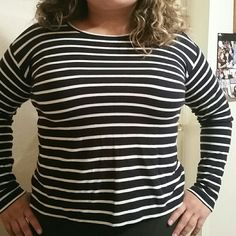J.Jill Long Sleeved Striped Shirt I wore it a couple times. It runs big because i dont wear an XS but it fits me. Its stretchy and very warm. Its a great choice for the winter. J. Jill Tops Tees - Long Sleeve