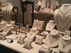 Learn Tracy Arrington's Secrets for Jewelry Displays that Sell