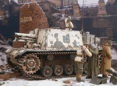 "15-cm sIG 33 auf PzKpfw III self-propelled gun. ""Dragon"" kit and figures."