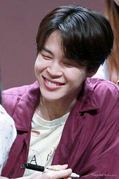 Jimin laughing makes me so happy Mochi, Busan, Serendipity, Seokjin, Hoseok, Jimin Wallpaper, Editing Pictures, Bts Photo, Bts Boys