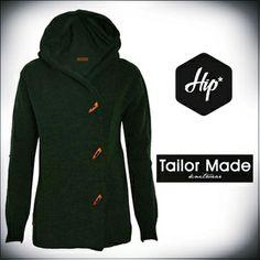 Πράσινη πλεκτή ζεστή ζακέτα με γιακά - Tailor Made knitwear  Ιδανική για τους χειμερινούς μήνες και για όλες τις ώρες της ημέρας. Συνδυάζεται εύκολα με casual αλλά και βραδινά outfits. Συνδυάστε το με πουκάμισα, πουλόβερ και τζην ή κοτλέ παντελόνια. #Hip #Hipyourteez #Tailor_Made #Knitwear #Mens #Womens #Fashion #New_Collection #AW_13_14 Hoodies, Sweatshirts, Wedding Styles, Knitwear, Sweaters, Tips, Fashion, Moda, Tricot