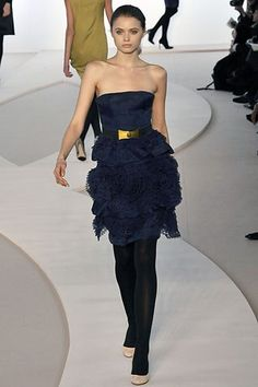 Valentino Fall 2008 Ready-to-Wear Fashion Show - Abbey Lee Kershaw (Next)