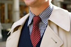 love the tie with gingham (and the trench!)