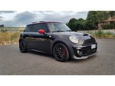 Mini Cooper S R56 John Cooper Works Red and Black!!!