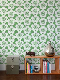 floral wallpaper for little girl's bathroom. How cute.
