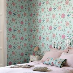 10 Interesting Cool Ideas: Shabby Chic Living Room On A Budget shabby chic furniture products. Shabby Chic Living Room, Shabby Chic Kitchen, Shabby Chic Homes, Shabby Chic Furniture, Brown Wallpaper, Home Wallpaper, Pink Wallpaper, Living Room Carpet, Home Living