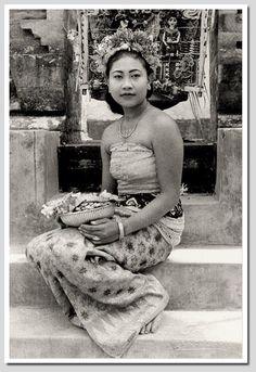 Balinese girl, dancer costume, old postcard, 1930s