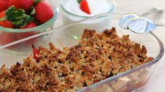 Bagte æbler og jordbær med crisby crumble