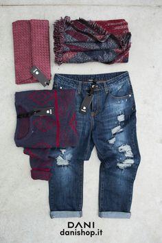 #DANI  BLU RED & JEANS #jeans #heart #<3 #boyfriend #pochette JEANS: http://www.danishop.it/abbigliamento/jeans/jeans-boyfriend-cropped.html MAGLIA: http://www.danishop.it/maglioni/maglia-azteca.html