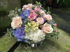 Furst Florist Centerpiece in pastel spring shades #FurstEvents #daytonweddings