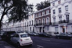 Pretty Houses in Oakley Street | Chelsea, London | Photo by Moonlight Bohemian