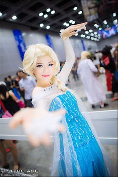 Elsa, Frozen | Comic Fiesta 2013 by shiroang.deviantart.com #cosplay
