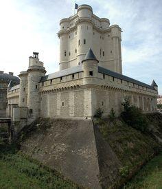 Mr Poussnik photography         Chateau de Vincennes, 2006