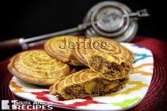 South African Recipes |  JAFFLES W/ MEAT FILLING |  (Wenresepte 2000. Pg 82) South African Dishes, South African Recipes, Africa Recipes, Savory Snacks, Snack Recipes, Cooking Recipes, Oven Recipes, Recipies, Kos