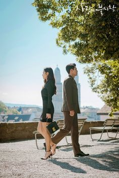 Crash Landing on You (사랑의 불시착) Korean - Drama - Pi Korean Actresses, Korean Actors, Actors & Actresses, Korean Drama Quotes, Korean Drama Movies, Korean Dramas, Best Kdrama, Jung Hyun, Hyun Bin