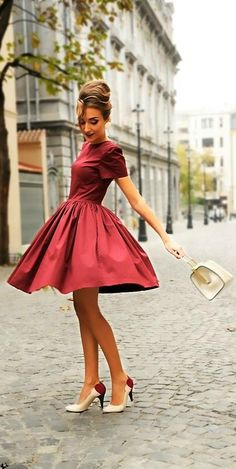 If only I could twirl like this everyday! Love everything about this! :: 50s inspired dress:: Retro Fashion:: Vintage Dresses