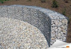 Tendance gabion, petit mur de soutènement en courbe