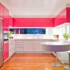 Armoire rose dans ma cuisine, oui je le veux!!