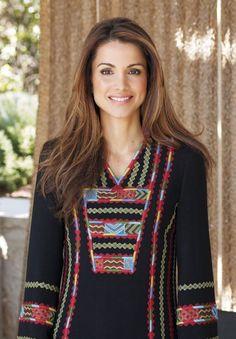 Queen Rania of Jordan-such a natural beauty.