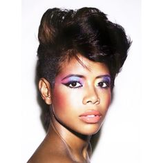 "Kelis Is Back With Her ""FOOD"" Album!"