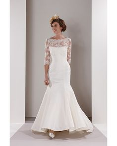 Sassi Holford wedding gown - not sure if I could pull off this style with my body :-/ will have to go try on some dresses!!!!