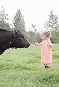 Cow 'n' Country Girl Animals For Kids, Farm Animals, Cute Animals, Country Life, Country Girls, Country Living, Country Farm, Country Outfits, Little People