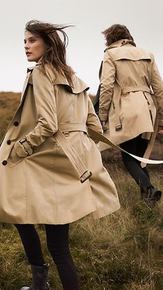 The Westminster – Long Heritage Trench Coat Honey - 7 Fashion Books, Pop Fashion, Fashion 2020, Burberry Trench Coat, Black Trousers, Future Fashion, Minimal Fashion, Coats For Women, Fall Outfits