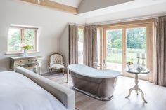 Sleep, Bathe, Repeat... Designed by @johnevansinteriordesign & photographed by @_billybolton  The Wye bath is inspired by traditional 18th-century Bateau but fits perfectly into traditional or contemporary bathroom schemes. Clawfoot Bathtub, Repeat, Master Bedroom, Sleep, Shower, Traditional, Contemporary, Bathrooms, Luxury