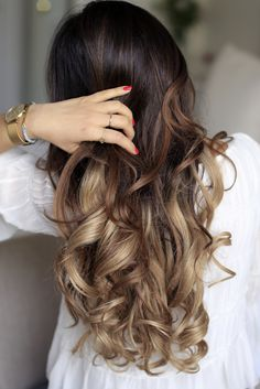 Learn how to curl your hair in just 2 minutes on our Blog! Photo: 220g Ombre Blonde Luxy Hair Extensions