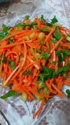 סלט חצילים במרינדה משגעת😍 | אמהות מבשלות ביחד Kosher Recipes, Cooking Recipes, Clean Recipes, Healthy Recipes, Healthy Snacks, Veggie Patties, Best Salad Recipes, Appetizer Salads, Eggplant Recipes