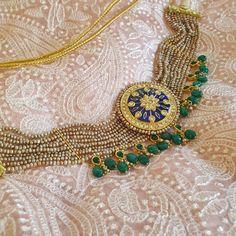 Indian Jewelry Earrings, Indian Jewelry Sets, Jewelry Design Earrings, Necklace Designs, Geek Jewelry, Jewelery, Jewelry Necklaces, Stud Earrings, Antique Jewellery Designs