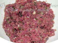 Rien de plus simple...et fini la chair à saucisse médiocre au prix au kg élevé ! INGREDIENTS POUR 1 KG 700 gr d'épaule de porc, 300 gr de gorge de porc, 16 gr de sel fin, 3 à 4 tour de moulin, 50 gr de persil plat, 2 échalottes (facultatif) 1 gousse d'ail...