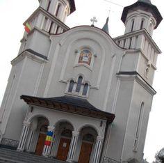 Catedrala Vatra Dornei - Destinatii turistice Romania - Femeia Stie.ro Mansions, House Styles, Building, Decor, Mansion Houses, Decoration, Decorating, Manor Houses, Buildings