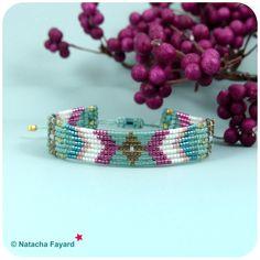 Micro macrame and miyuki delicas set - bracelet + earrings. Aqua blue, fuchsia pink and gold. © Natacha Fayard #macrame #micromacrame #set #earrings #bracelet #long #boho #bohemian #aqua #blue #fuchsia #gold #etsy #navajo #chevron #nativeamerican #amerindian