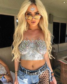 Glitter boobs: Sparkle-covered breasts have totally taken over the festival circuit