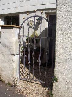 organic iron gate