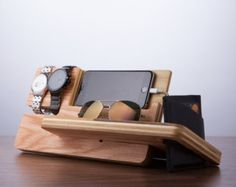 ***SOLD OUT FOR CHRISTMAS DELIVERY*** This Watch dock valet is a minimalistic and a feature rich solution to both charge and display your