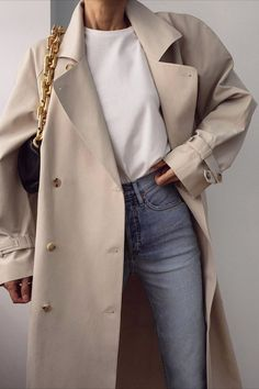 Style 15 Fresh Ways to Style Your Trench Coat This Spring Outfitting Ideas Mode Coat fresh ideas Outfit ideen Outfitting Spring Style Trench Ways Mode Outfits, Casual Outfits, Fashion Outfits, Girl Outfits, Fashion Boots, Jeans Fashion, Modest Fashion, Fashion Ideas, Casual Dresses
