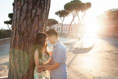 If you plan an engagement trip to Italy, find advice from a professional photographer in Rome and enjoy an engagement photo shooting of Wendy and Alex