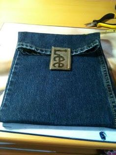 DIY iKindle Case Using Old Pair of Jeans (using different pants sizes accordingly)