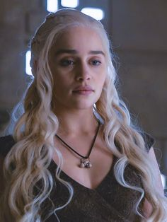 Emilia clarke game Of Thrones Arte Game Of Thrones, Game Of Thrones Khaleesi, Game Of Thrones Dragons, Game Of Throne Daenerys, Daenarys Targaryen, Emilia Clarke Daenerys Targaryen, Portraits, Mother Of Dragons, Angels