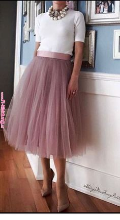 Very cute look with tulle skirt « Kleidung 24 Easy Sytish Ways to Recreate Sequin Skirt Outfits Fashion Mode, Modest Fashion, Fashion Outfits, Womens Fashion, Ladies Fashion, Classy Outfits, Cute Outfits, Dress Skirt, Dress Up