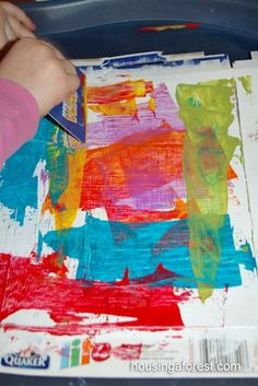 credit card art Painting with credit cards. Prime cereal boxes, squeeze out paint onto cardboard palette, and spread with credit cards to create a layered effect. Kindergarten Art, Preschool Crafts, Process Art Preschool, Arte Elemental, Ecole Art, Art Classroom, Art Activities, Creative Activities, Therapy Activities