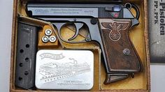 A Nazi Party Leader Walther PPK in its factory box Shooting Guns, Shooting Range, Weapons Guns, Guns And Ammo, Walther Pp, Pocket Pistol, Cool Guns, General Motors, Bushcraft
