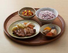 タニタとコラボのお弁当「バーベキューチキンと七穀ご飯(590円)」が大人気です♪スパイスがきいたチキンは、丁寧に皮が取ってあり、全部食べても478kcal(^^)ランチに「タニタ」いかがですか? http://www.lawson.co.jp/recommend/static/osusume/