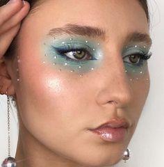 eyeshadow makeup trends revolution eyeshadow palette 32 zombie makeup makeup yang bagus eyeshadow revlon makeup without eyeliner makeup gray makeup do Makeup Goals, Makeup Inspo, Makeup Art, Makeup Inspiration, Beauty Makeup, Gem Makeup, Makeup Style, Cute Makeup, Pretty Makeup