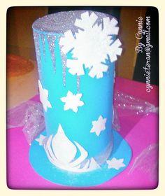 Parte frontal de Sombrero Loco inspirado en la Princesa Elsa de la película FROZEN. CynnieBoo cynnnie.teran@gmail.com