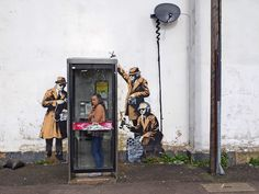 Banksy Arte Banksy, Banksy Mural, Bansky, Murals, Street Art Banksy, Banksy Work, Graffiti Designs, Graffiti Art, Street Art