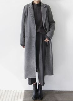 Chic Style – layered grey outfit with long wool coat – grey Look Fashion, Korean Fashion, Trendy Fashion, Winter Fashion, Womens Fashion, Fashion Trends, Cheap Fashion, Trendy Style, Fashion Art