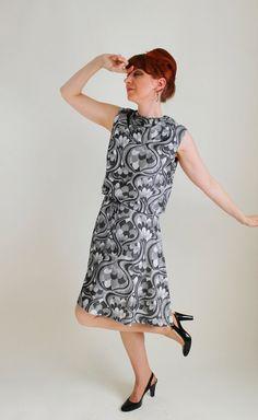 Storewide Sale - 1960s Silver Gray Mod Print Party Dress. Cocktail Dress. Weddings. Mad Men Fashion. Summer Dress